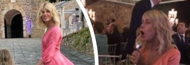 Alessia Marcuzzi scatenata al ritmo di «Cicale» al matrimonio dell'ex Simone Inzaghi