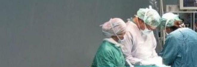 Bambino decapitato durante il parto: gli infermieri tirano troppo forte, la testa resta nell'utero