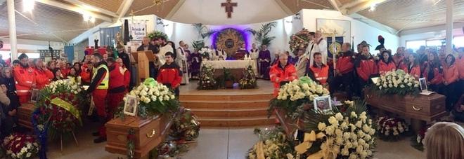 Caduta elicottero, Emiliano a L'Aquila per i funerali