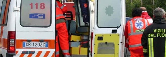 Donna di 43 anni trovata morta in casa del compagno, indagano i carabinieri