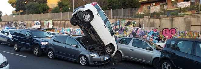Maxi tamponamento in via Portuense: traffico in tilt