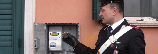 Magneti e cavi esterni, cresce il furto di energia elettrica: in sei mesi 22 arresti