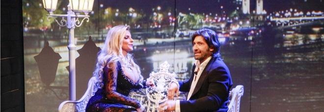 Grande Fratello Vip 2018, Francesca Cipriani si dichiara, ma Walter Nudo è distratto dal suo decolletè (Credits Endemol)