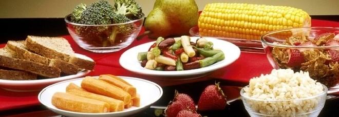 Dieta, tagliare 300 calorie al giorno fa bene al cuore: anche negli adulti in forma