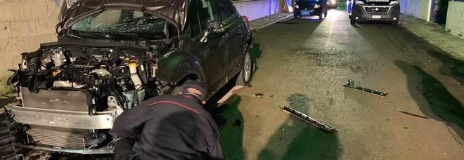 Paura nella notte: bomba  contro l'auto di una donna