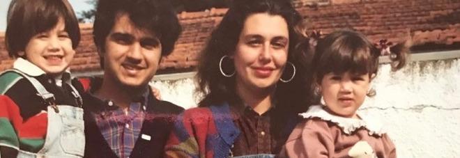 Belen Rodriguez e Cecilia da bambine
