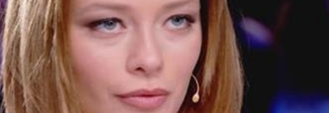 Verissimo, Silvia Provvedi: «Sì, sono fidanzata. Corona? Non serve nella mia vita»