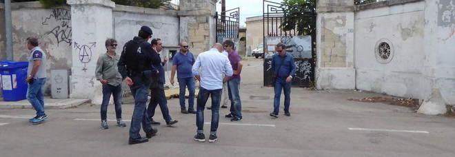 """Sigilli all' """"Ex macello"""", sgomberato il centro sociale di Borgo San Nicola"""
