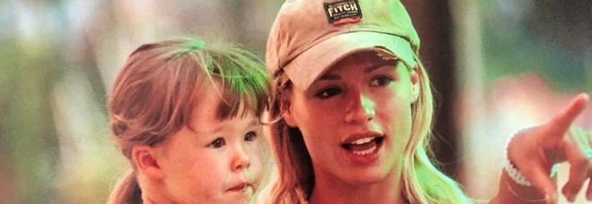 Una Michelle Hunziker giovanissima insieme alla sua Aurora Ramazzotti