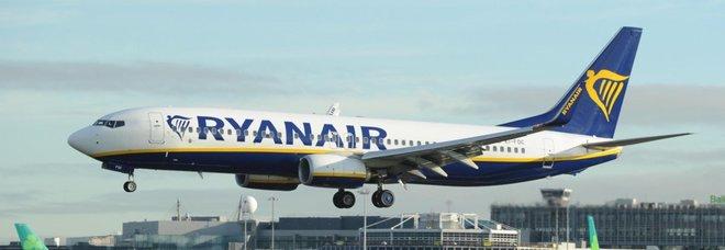 Ryanair rifiuta l'imbarco a una sedicenne malata di tumore: «Il prossimo volo è tra due giorni»