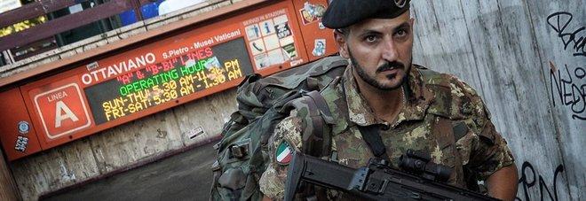 Roma, allarme bomba sulla metro: fermata la linea A per trenta minuti