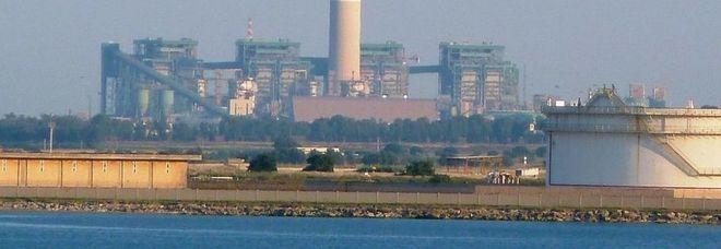 Si chiude un'era, addio di Enel al carbone: «Riconversione a metano»
