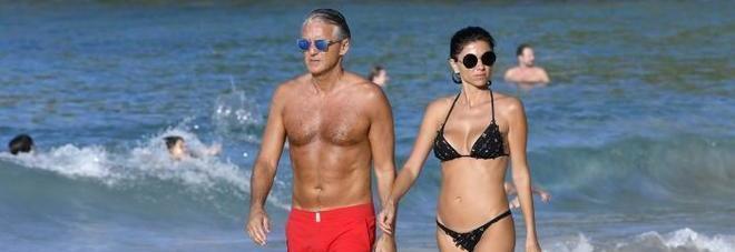 Roberto Mancini, in grande forma a 52 anni. Merito della sua nuova (giovane) fiamma?