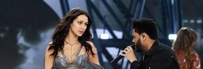 Bella Hadid rivede il suo ex sulla passerella di Victoria's Secret: l'incontro è bollente