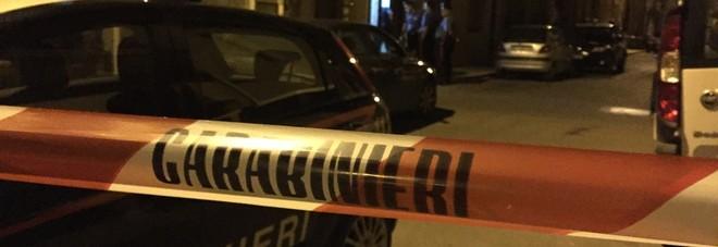 I carabinieri nella casa del delitto