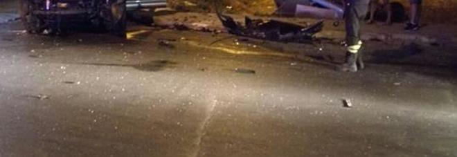 Scontro tra auto in periferia: coinvolti in sette, grave una ragazza di 19 anni
