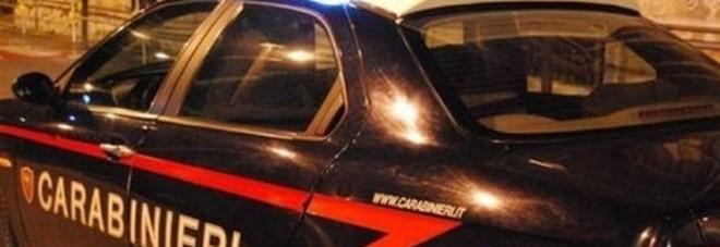 Spari contro una coppia appartata in auto Arrestati ex moglie e suocero