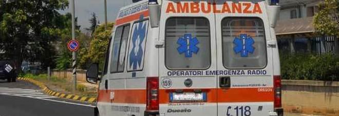 """Precipita dal terrazzo, morta una ragazzina di 14 anni: """"Forse si è buttata"""". Choc a Bari"""