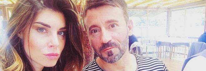 """Max Biaggi, la fidanzata Bianca Atzei annulla il concerto: """"Gli leggo i vostri messaggi per dargli forza"""""""