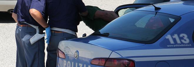 Minaccia di morte l'ex moglie: arrestato 46enne, aveva preso di mira anche figli e suoceri