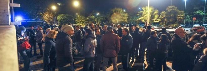 Spada aggredisce giornalista: protesta davanti al X municipio