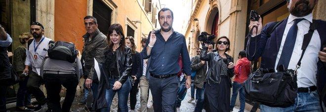 Di Maio-Salvini, frenata sul premier. Berlusconi: mettono la patrimoniale