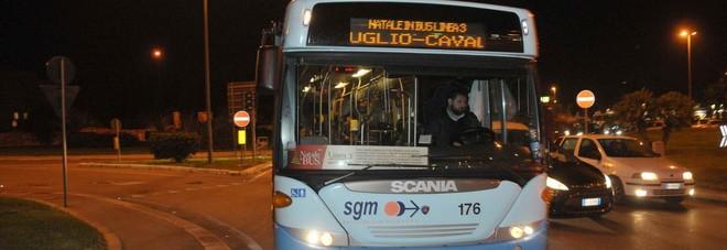 Natale, il piano anti ingorghi: bus navette anche al sabato