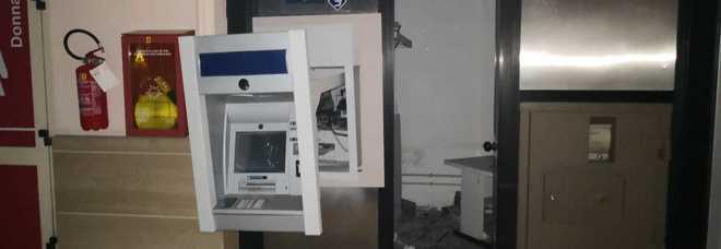 Assalto al bancomat all'Ipercoop,  i ladri di notte nel centro commerciale