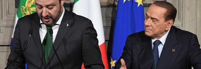 Berlusconi show al Quirinale: cede la scena a Salvini ma poi lancia un fendente contro Di Maio