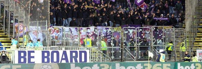 """Tifoso Cagliari ha un infarto, cori choc degli ultrà nel giorno di Astori: """"Devi morire"""""""