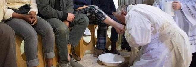 «La lavanda dei piedi ai migranti andava fatta»
