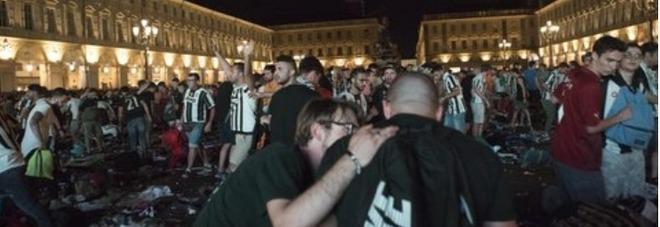 Nessuna speranza per Erika, schiacciata nella calca di piazza San Carlo