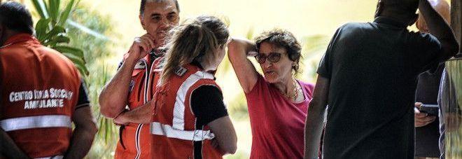 Roma, prende l'ascensore e precipita per sei piani: donna muore
