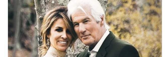Richard Gere si è sposato: ecco chi è la moglie, 33 anni meno dell'attore. «Ci siamo conosciuti a Positano»