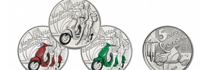 Arriva la moneta da 5 euro: «Dedicata alla Vespa». Emessa da oggi in tre colori FOTO