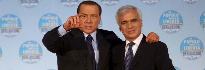 Berlusconi e Palese insieme nel 2010, ai tempi della campagna per le regionali