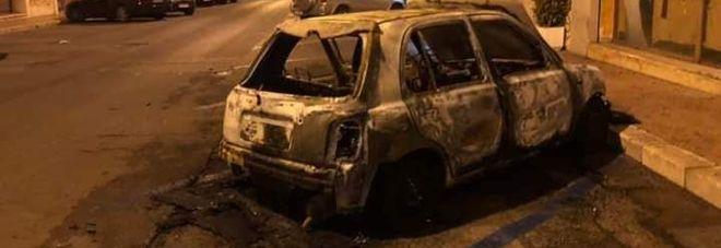 Incendio nella notte nel Borgo: brucia l'auto di Fulvia Gravame