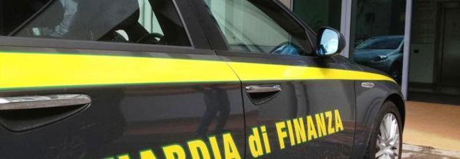 Furbetti del cartellino in ospedale: trenta indagati, 12 arresti