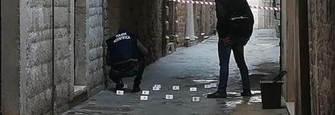 Bitonto, doppio agguato in strada: morta un'anziana, usata come scudo umano