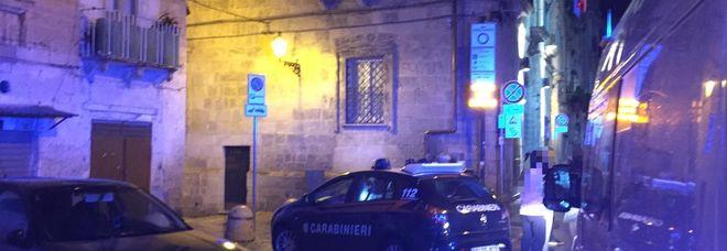 I carabinieri sul posto del ferimento
