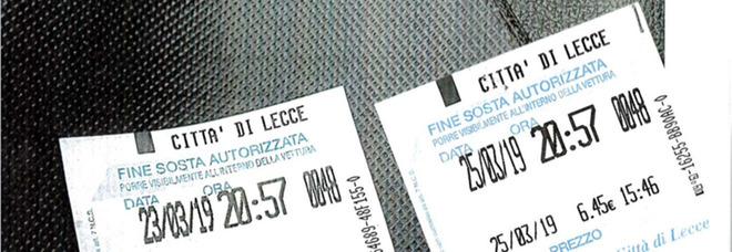 Lecce, falsari al lavoro: ticket falsi per parcheggiare in centro