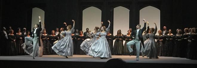 Pioggia di applausi per la Lucia di Lammermoor al Petruzzelli