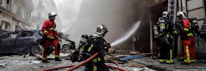 Parigi, esplosione in panetteria a Opéra: 3 morti, feriti tre italiani. Grave ragazza appena trasferita