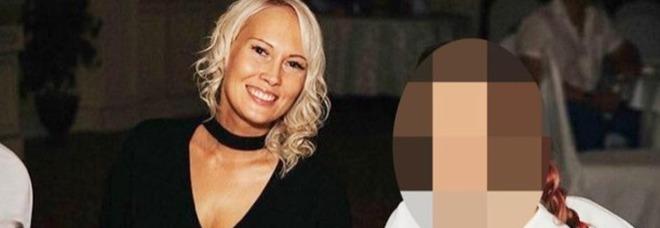 Vende on line la verginità della figlia 13enne: ma l'acquirente è un poliziotto sotto copertura