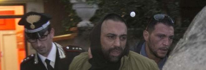 Reporter pestato, fermato Spada Ma il quartiere lo difende
