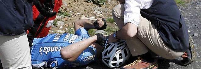 Parigi-Roubaix choc,  infarto per Goolaerts: cade e si accascia in corsa