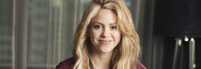 """Shakira sta male, rinviate tutte le date del suo tour in Europa: """"Stop fino al 2018"""""""
