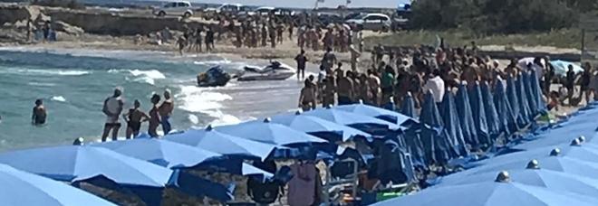 Tragedia in spiaggia a San Foca: muore durante la liberazione delle tartarughe