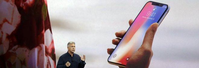 Apple, in arrivo tre nuovi iPhone: nuovi colori e maxi-display (uno sarà più economico)