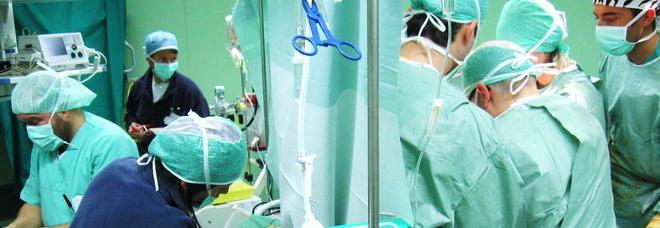 Cuore lesionato durante intervento: donna muore in sala operatoria